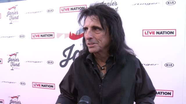 stockvideo's en b-roll-footage met alice cooper on the event at steven tyler and live nation presents inaugural janie's fund gala & grammy viewing party in los angeles, ca 1/28/18 - alice cooper