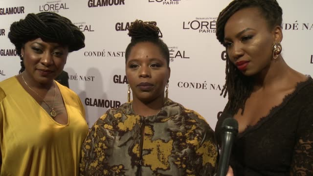 vídeos y material grabado en eventos de stock de alicia garza, patrisse cullors, opal tometi on the event at glamour's 2016 women of the year at neuehouse hollywood on november 14, 2016 in los... - estados unidos del oeste
