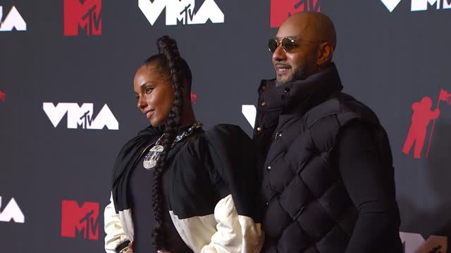 alicia keys and swizz beatz arrive at the 2021 mtv video music awards at barclays center on september 12, 2021 in the brooklyn borough of new york... - mtv video music awards stock videos & royalty-free footage