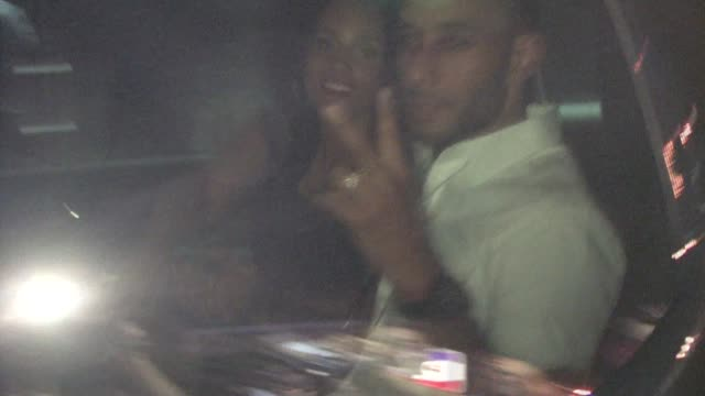 alicia keys and swizz beatz at the pantages theatre in hollywood on 6/24/2011 - パンテージスシアター点の映像素材/bロール