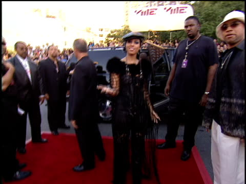 Alicia Keys Arriving at the 2001 MTV Video Music Awards Red Carpet