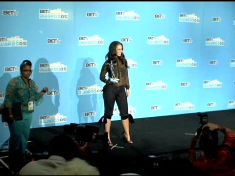 alicia keys at the 2005 bet awards press room at the kodak theatre in hollywood california on june 29 2005 - alicia keys stock videos and b-roll footage