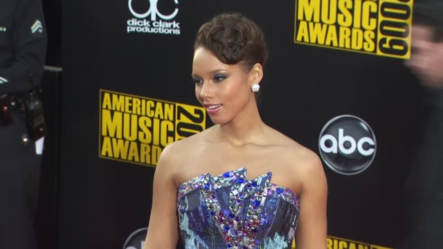 Alicia Keys at the 2009 American Music Awards Arrivals at Los Angeles CA