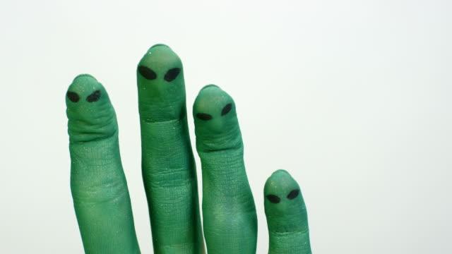 Alien fingers concept