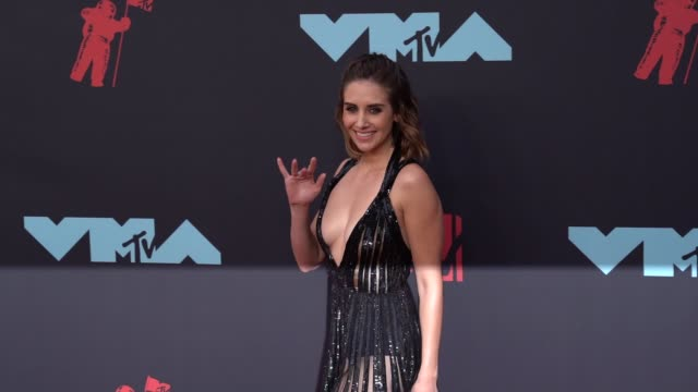 alison brie at 2019 mtv video music awards at prudential center on august 26 2019 in newark new jersey - mtv video music awards stock videos & royalty-free footage