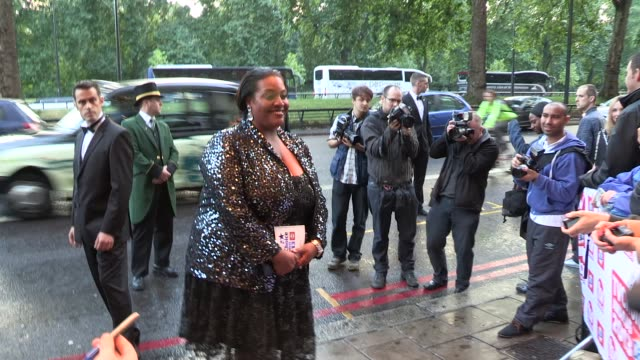 vídeos y material grabado en eventos de stock de alison hammond at the tv choice awards at dorchester hotel on september 09 2013 in london england - alison hammond