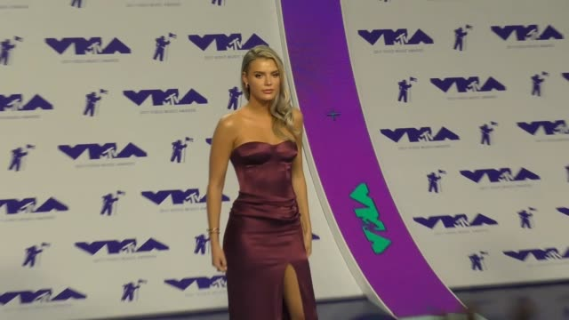 alissa violet at the 2017 mtv video music awards at the forum on august 27 2017 in inglewood california - inglewood video stock e b–roll