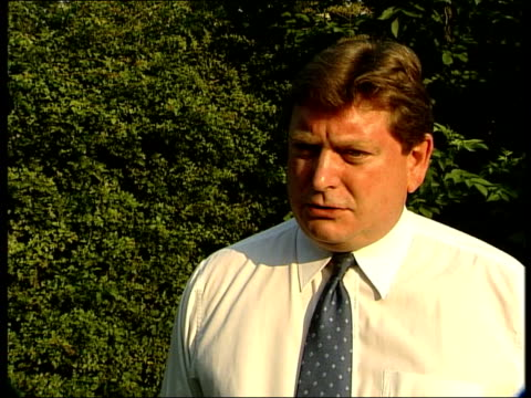 Alistair Campbell dossier row ITN Eric Illsley MP interview SOT majority of members of that cttee now accept that dossier of Sept 2002 was completed...