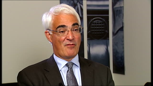 alistair darling attacks 'weird' attitude of banks during 2008 bail out england london int alistair darling mp interview sot our banks are different... - alistair darling stock videos & royalty-free footage