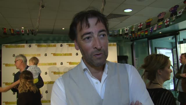 alistair mcgowan on football, voices and his role at 'the unbeatables' world premiere on 3rd august 2014 in london, england. - アリステア マクゴワン点の映像素材/bロール