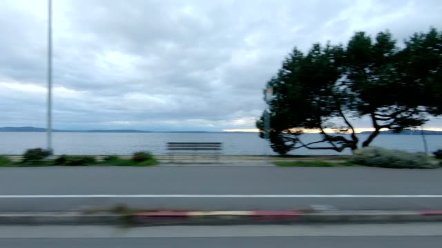 alki beach v synced series right view driving process plate - lockdown viewpoint stock videos & royalty-free footage