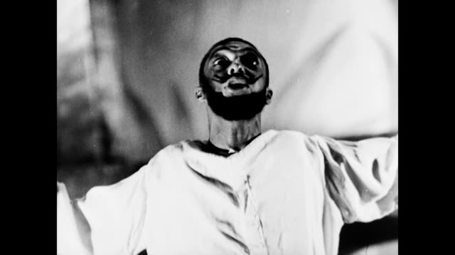 all african american performance of macbeth / setting has changed from scotland to haiti / macbeth actor delivers monologue wpa federal theater... - 1937 stock videos and b-roll footage