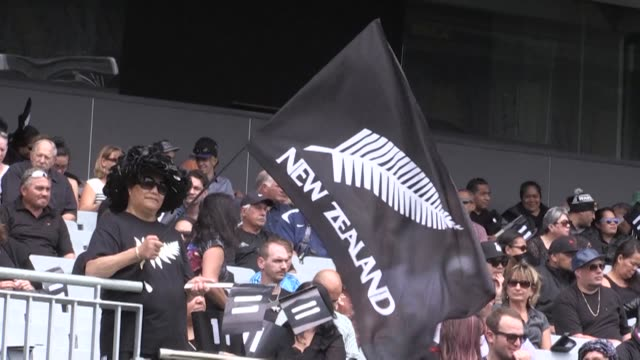 All Black greats united to pay tribute to Jonah Lomu with a powerful haka Monday as thousands of fans packed a memorial service at New Zealand rugbys...