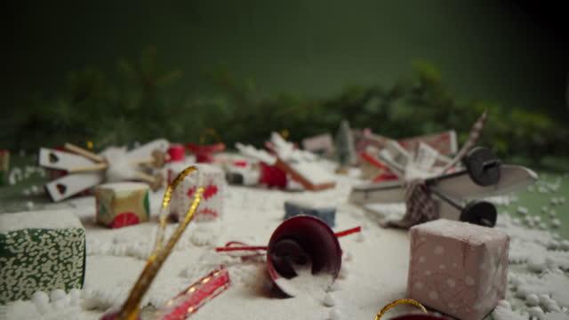vídeos de stock e filmes b-roll de all items related to christmas - grupo de objetos
