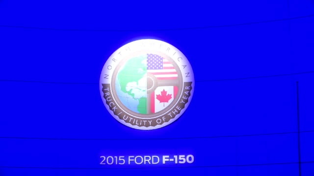 all new ford f-150 in the canadian international autoshow which is canada's largest automotive show held annually at the metro toronto convention... - strategia di vendita video stock e b–roll