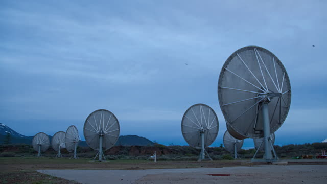 t/l ws allen telescope array, hat creek, california, usa - medium group of objects stock videos & royalty-free footage