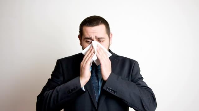 vídeos de stock, filmes e b-roll de alergia  - bronquite