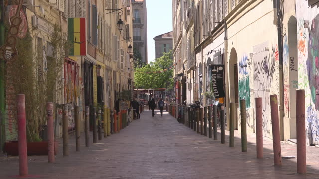 alley in cours julien - alley stock videos & royalty-free footage