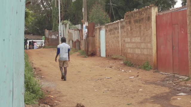 alleyway in east africa - ウガンダ点の映像素材/bロール