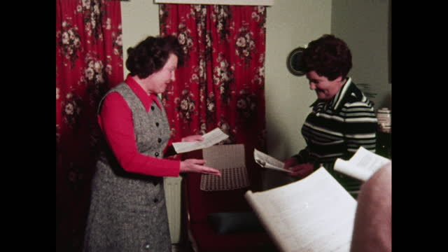 all-female cast rehearses amateur play, 1970s - five people stock videos & royalty-free footage