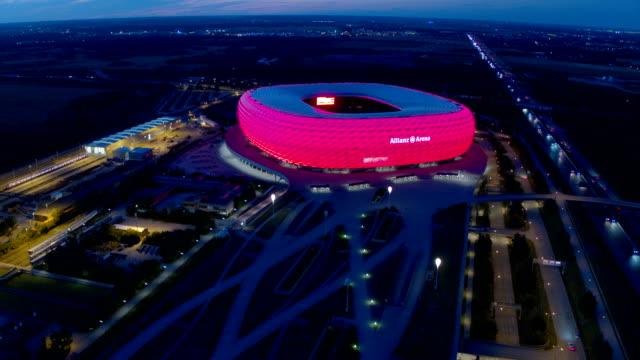vídeos y material grabado en eventos de stock de allianz arena, drone - estadio