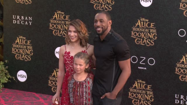 allison holker at the alice through the looking glass los angeles premiere at the el capitan theatre on may 23 2016 in hollywood california - el capitan kino stock-videos und b-roll-filmmaterial