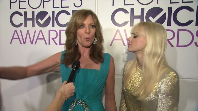 INTERVIEW Allison Janney Anna Faris on how it felt to be up on stage the highlight of the night at People's Choice Awards 2015 in Los Angeles CA