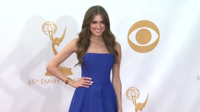 allison williams at 65th annual primetime emmy awards arrivals on 9/22/2013 in los angeles ca - annual primetime emmy awards stock-videos und b-roll-filmmaterial