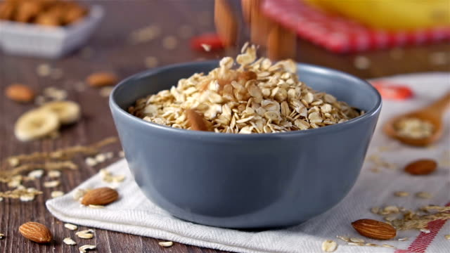 Almond, Oat flakes, slow motion
