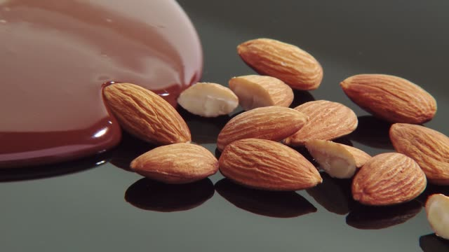 Almonds with melted chocolate