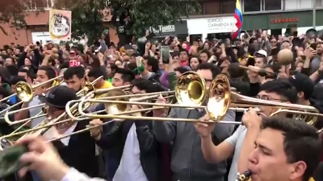 almost 300 musicians from various music academies and orchestras gather for 'cacerolazo sinfónico', a symphonic demonstration, at hippies park in... - latin america stock videos & royalty-free footage