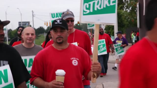 almost 50,000 us auto workers are on strike in a pay dispute with general motors the largest industrial action to hit the car maker in more than a... - strike industrial action stock videos & royalty-free footage