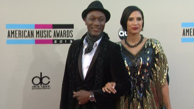 aloe blacc and maya jupiter attend arrive at the 2013 american music awards arrivals - 2013 american music awards stock videos & royalty-free footage