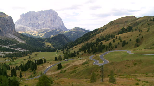 alpine mountain pass in autumn - langkofel stock videos & royalty-free footage