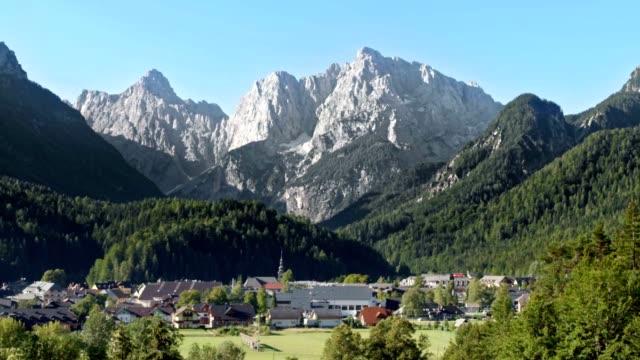 4 SEASONS Alpine ski resort