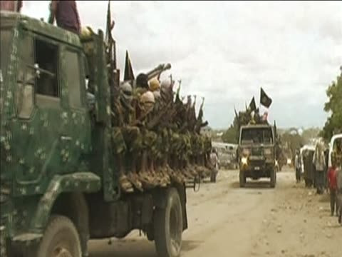 alshabaab the islam insurgents linked to alqaeda patrol street in mogadishu - al qaida stock videos & royalty-free footage