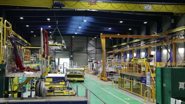 vidéos et rushes de alstom production lines of tgv and trams in la rochelle france on monday oct 15 2018 - véhicule utilitaire et commercial