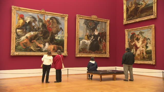 alte pinakothek, indoor, art, people looking at a painting - museum stock videos & royalty-free footage