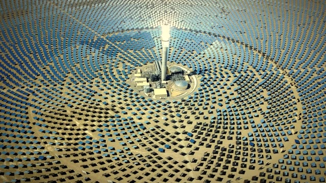 alternative energy solar thermal power station - circle stock videos & royalty-free footage