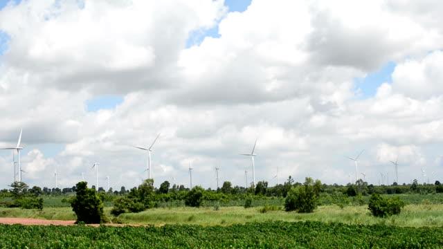 vidéos et rushes de énergie alternative eoliennes - procédé croisé