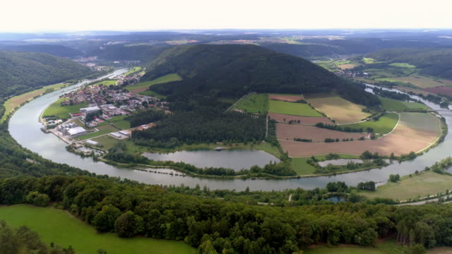 altmühl river bend near riedenburg in bavaria - river bend land feature stock videos & royalty-free footage