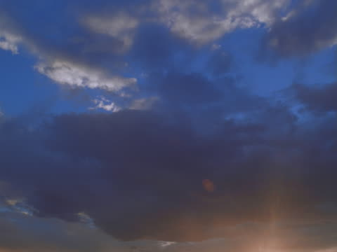 vidéos et rushes de altocumulus clouds. sunshine turning into sunset - altocumulus