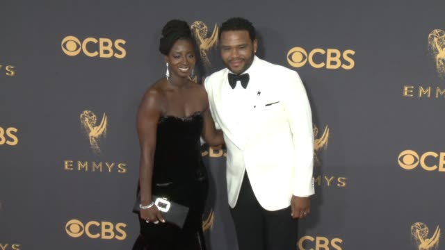 alvina stewart, anthony anderson at the 69th annual primetime emmy awards at microsoft theater on september 17, 2017 in los angeles, california. - annual primetime emmy awards stock-videos und b-roll-filmmaterial