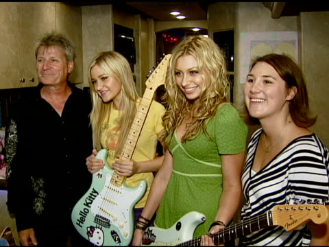 aly and aj michalka receive their custom-made fender guitars at the aly and aj presented with custom fender guitars to kick-off summer tour at... - irvine verwaltungsbezirk orange county stock-videos und b-roll-filmmaterial