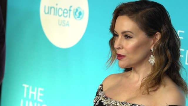alyssa milano at the 14th annual unicef snowflake ball 2018 at cipriani wall street on november 27 2018 in new york city - alyssa milano stock videos & royalty-free footage