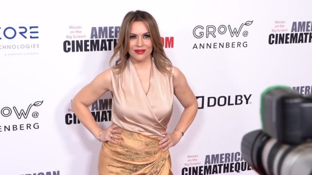mo alyssa milano at the 32nd annual american cinematheque award honoring bradley cooper at the beverly hilton hotel on november 29 2018 in beverly... - alyssa milano stock videos & royalty-free footage