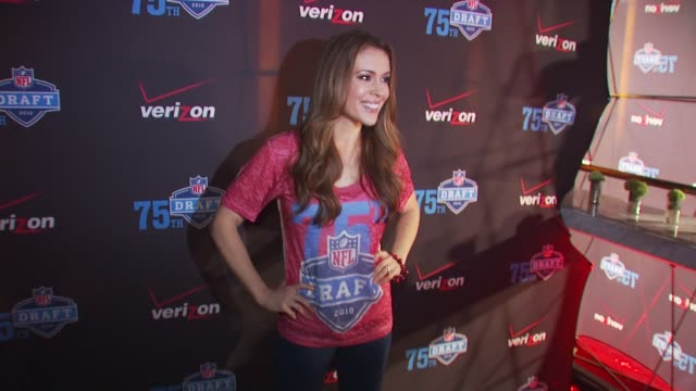 alyssa milano at the nfl and verizon celebrate the 2010 nfl draft at new york ny - alyssa milano stock videos & royalty-free footage