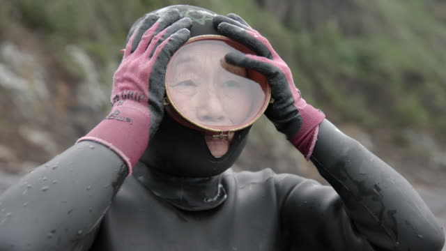 ama 'women of the sea' prepare to dive for shellfish, japan - free diving stock videos & royalty-free footage