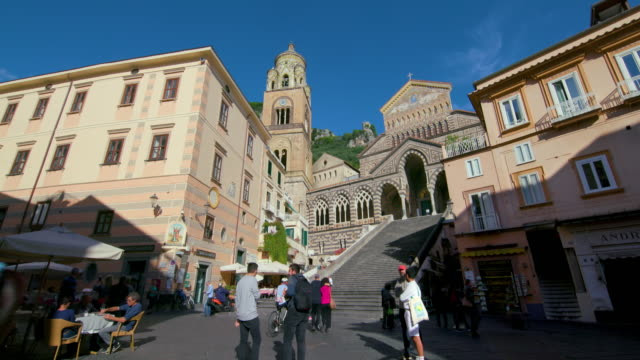 amalfi  cathedral & steps, amalfi, province of salerno, italy - cattolicesimo video stock e b–roll