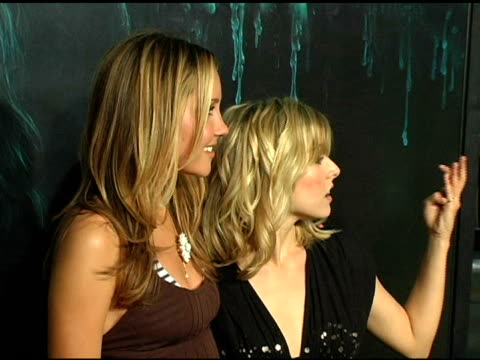 amanda bynes and kristen bell at the 'house of wax' premiere on april 26 2005 - kristen bell stock videos and b-roll footage
